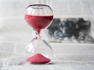 hourglass-time-hours-sand-39396-copie-300x226-9238307